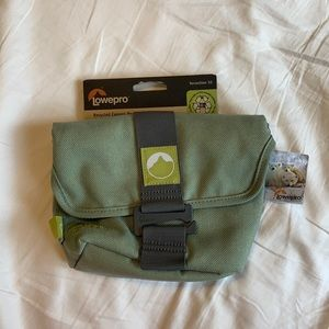 👀 SALE 👀 NWT recycled camera bag